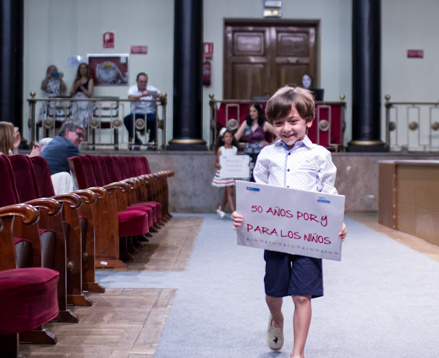 Pasarela Benefica Aldeas Infantiles