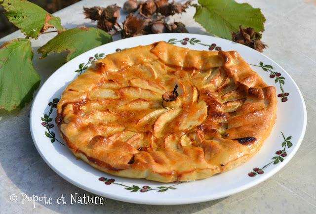 tarte ancienne aux pommes et à la crème de noisettes