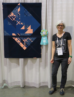 Luna Lovequilts - Quiltcon 2019 - First prize in Piecing category for Eclat
