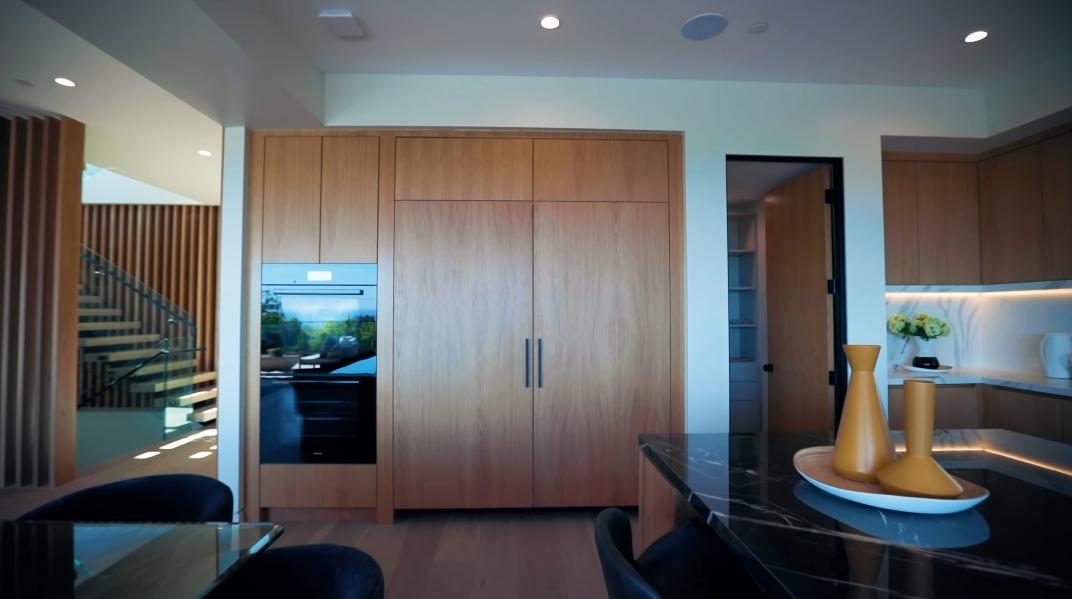 93 Interior Design Photos vs. 15312 Whitfield Ave, Pacific Palisades, CA Luxury Home Walk-Through Tour