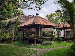 Gadjah Wong Garden Restaurant