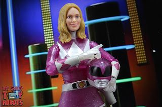 Lightning Collection Mighty Morphin 'Metallic' Pink Ranger 39