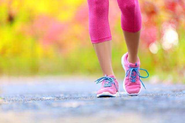 فوائد تمرين المشي السريع لمدة 20 دقيقة
