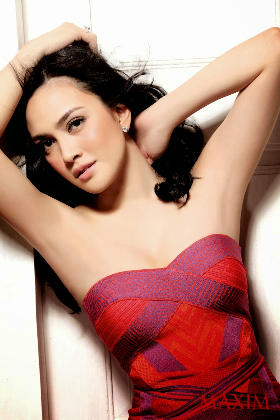 Shandy Aulia Sexy Pose On Maxim Indonesia