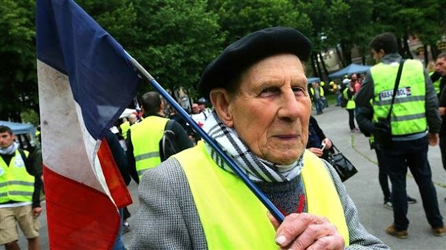 Yellow Vest protesters say no Macron, Le Pen ahead of EU election