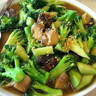 Resep sehat pencegah anemia ( cah brokoli jamur )