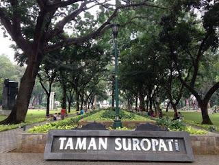 http://www.teluklove.com/2017/04/daya-tarik-objek-wisata-taman-suropati.html