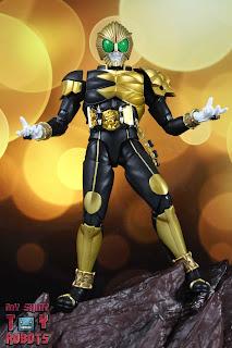 S.H. Figuarts Shinkocchou Seihou Kamen Rider Beast 02