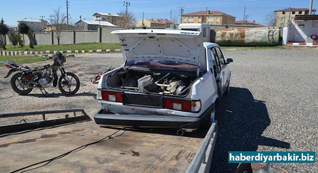 DİYARBAKIR-PKK'ye yönelik Diyarbakır'ın Lice ilçesinde yapılan operasyonlarda, saldırılar için hazırlatıldığı belirtilen, bir otomobil ve 4 motosiklet olmak üzere toplam 5 araç ile 15 kilo toz esrar ele geçirildi.