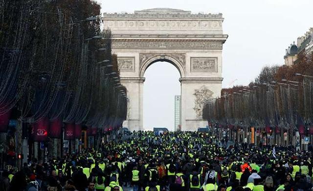 """Γαλλία: Επί ποδός χιλιάδες αστυνομικοί για τη νέα διαδήλωση των """"κίτρινων γιλέκων"""""""
