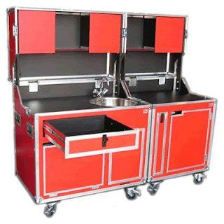 Mueble de cocina hecho con flightcase