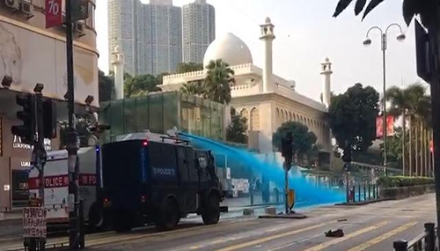 Serangan Water Cannon ke Masjid Kowloon di Hong Kong Tuai Kecaman Luas