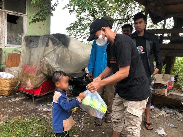 Komunitas Siap Membangun berbagi kebahagiaan bersama pahlawan lingkungan