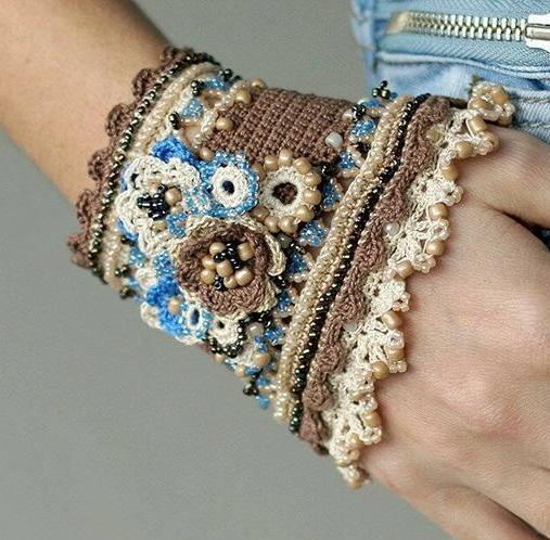 szydełkowa bransoleta haftowana