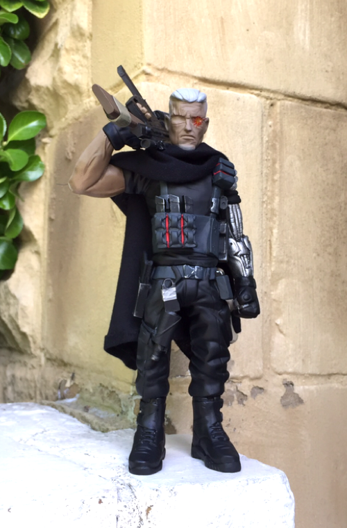 """43af0cced UK-based resin-slinger Wherechappell/Cracked Hatchet has since sculpted and  released for pre-orders his interpretation of the celluloid """"CABLE"""" -  played by ..."""