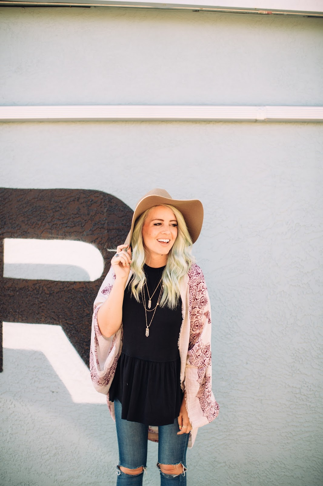 Mint Hair, Black Shirt, Utah Fashion Blogger