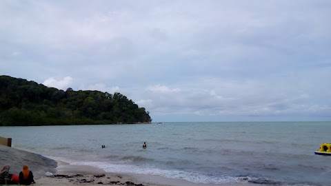 Mandi Pantai, Main Pasir