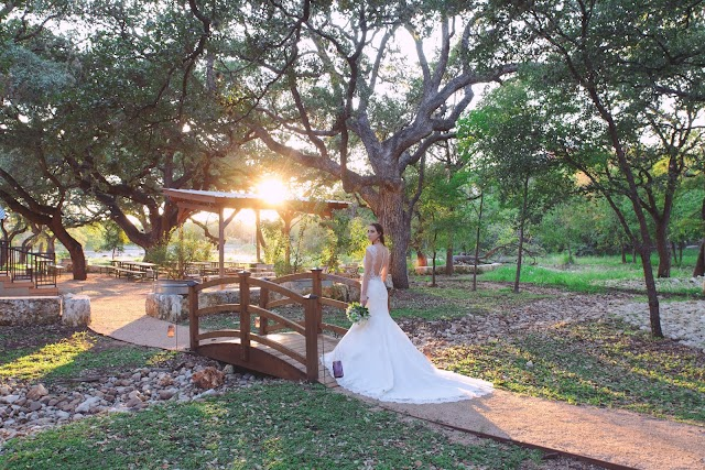 Magnolia Halle & Beatitude Bridal Photoshoot