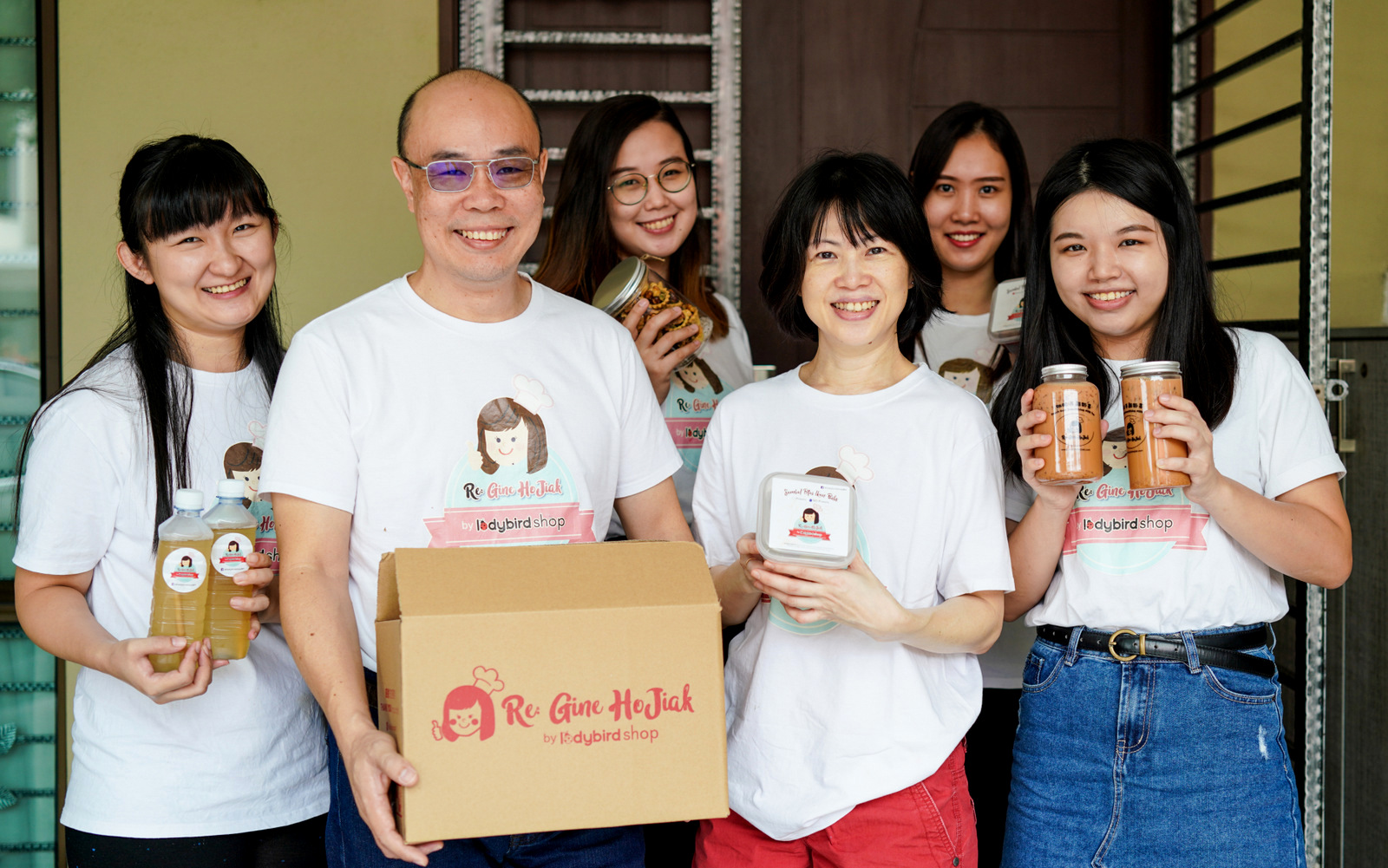 re: gine hojiak: a malaysian tour operator swaps sightseeing for sambal