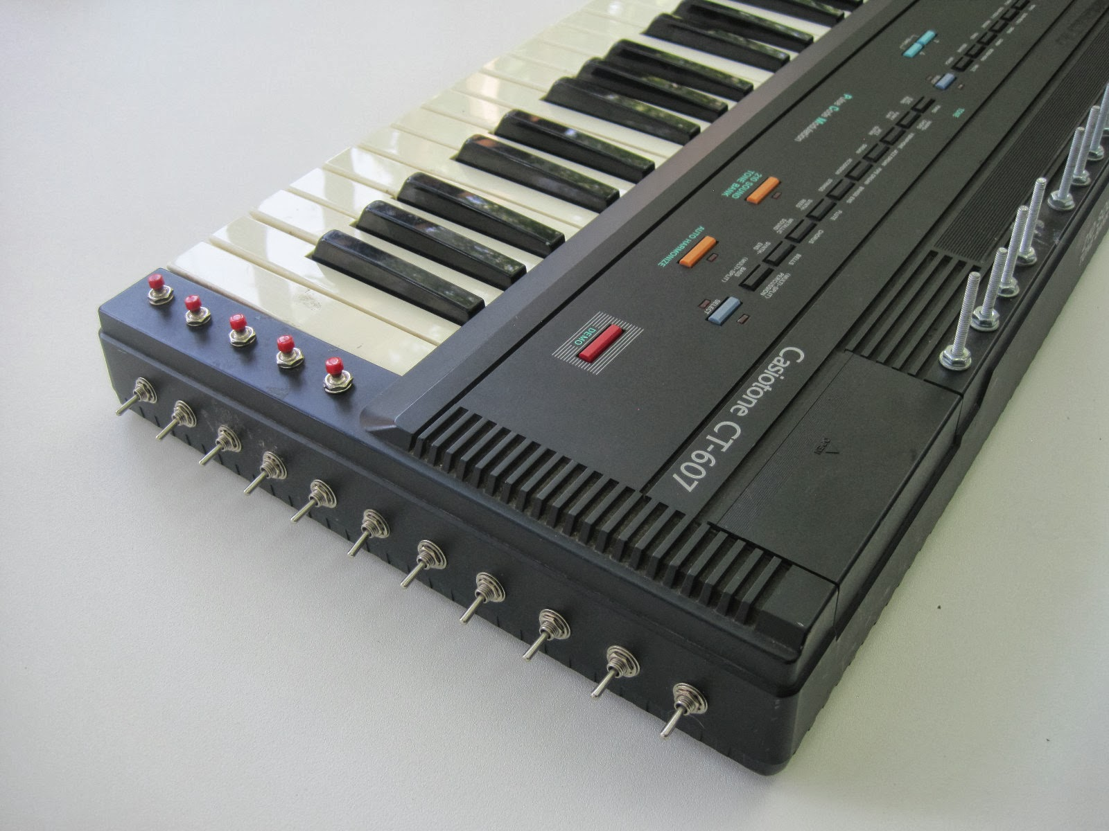 MATRIXSYNTH: Circuit Bent Casio CT 607
