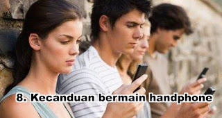 Kecanduan bermain handphone