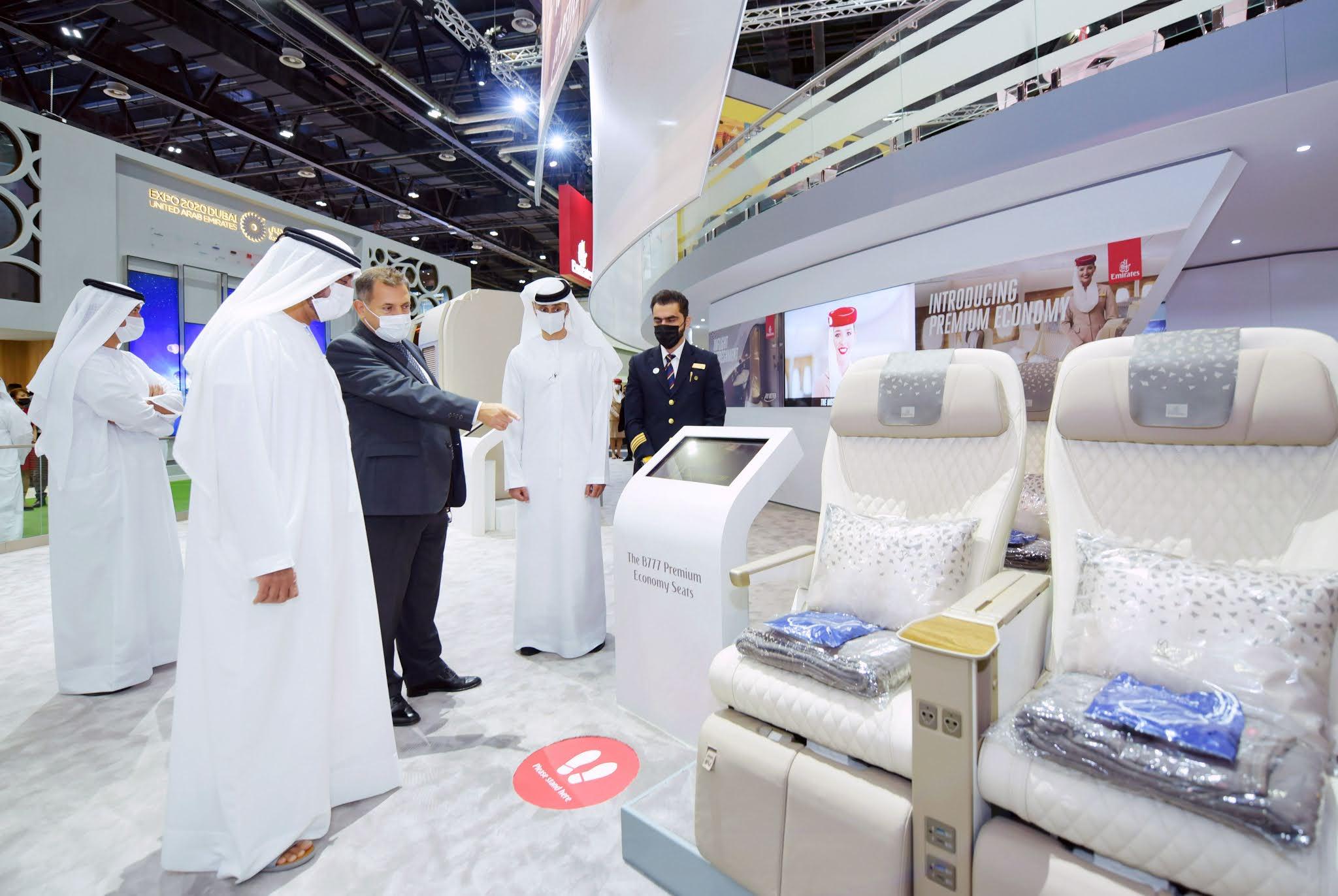 سمو الشيخ أحمد بن سعيد آل مكتوم يزور جناح طيران الإمارات في معرض سوق السفر العربي