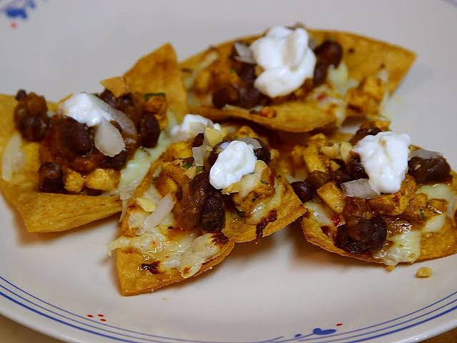 Chicken and Black Bean Nachos Recipe