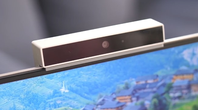 The 720p camera attached at the top bezel of Mi Notebook 14 Horizon Edition separately.