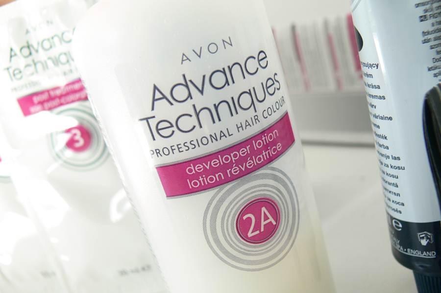 farba Avon Advance Techniques Średni Popielaty Blond 8.1 mleczko utleniające