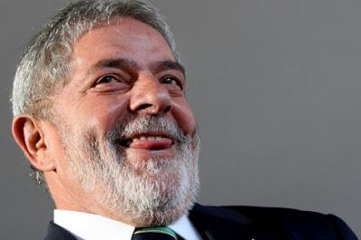 Tríplex do Guarujá ou Sítio em Atibaia?