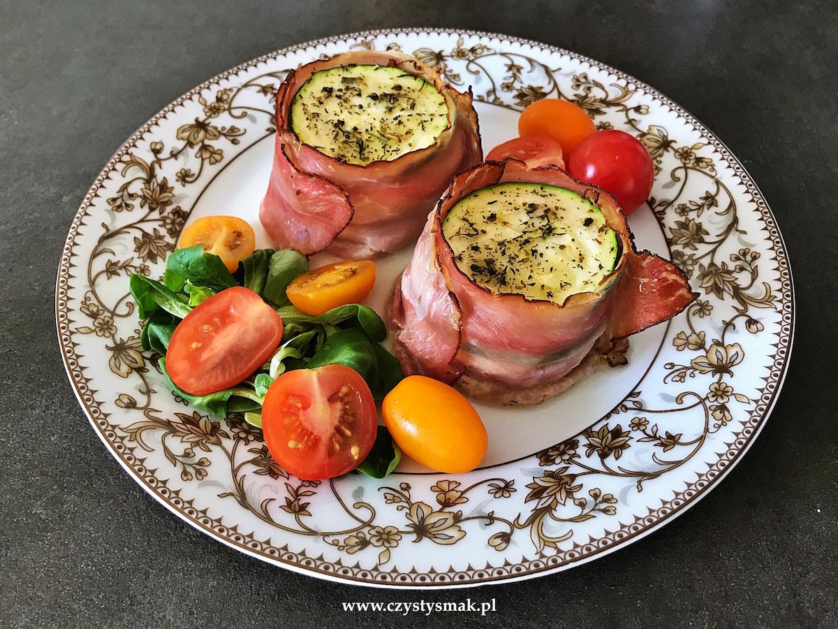 Cukinia, mozzarella, pomidor i szynka parmeńska