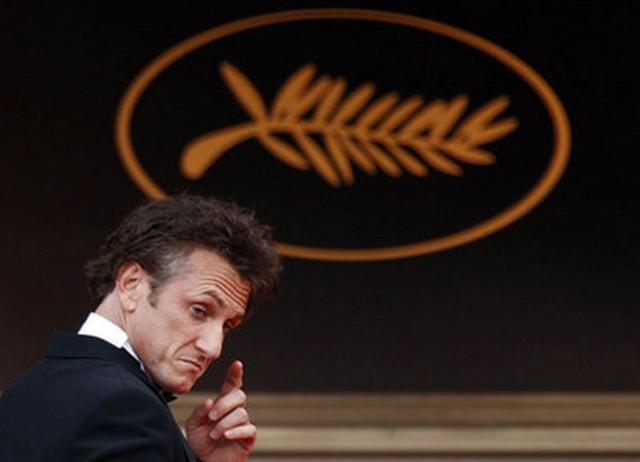 """Sean Penn: """"Os EUA são um dos países mais ricos na hora de cuidar de ricos, mas não para ajudar pobres"""""""