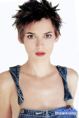 The life story of Winona Ryder, American actress of Jewish origin.