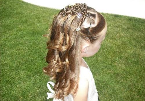 Peinados de media cola para primera comunion