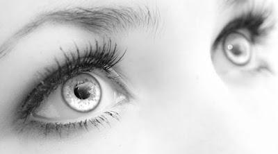 10 Tips Alami Mengatasi Radang Kelopak Mata