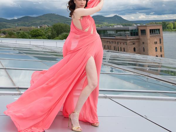 Von Bonn in die Vogue - ein Interview mit der Bonner Couture-Designerin Fatima Halwani