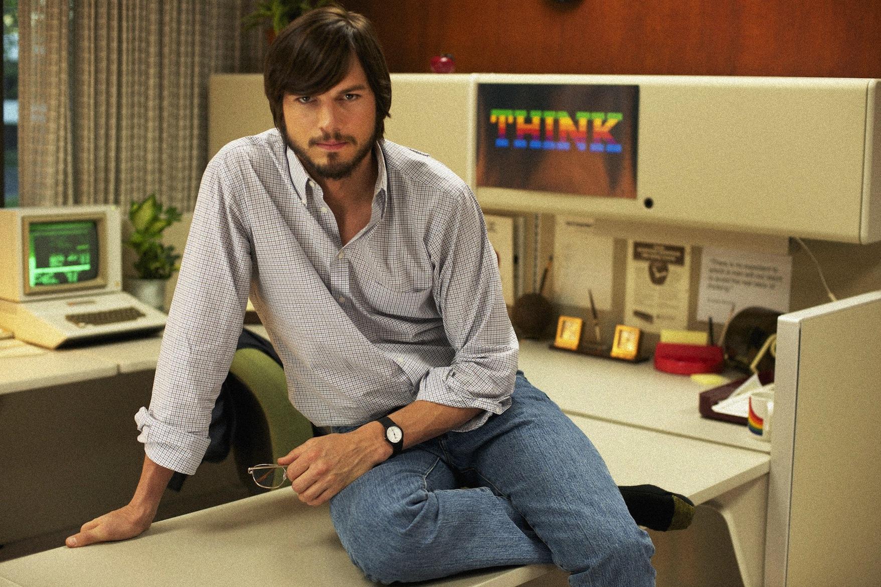 Ator Ashton Kutcher como Steve Jobs