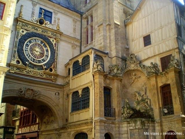 Gros Horloge o Gran Reloj, Rouen, Alta Normandía, Francia