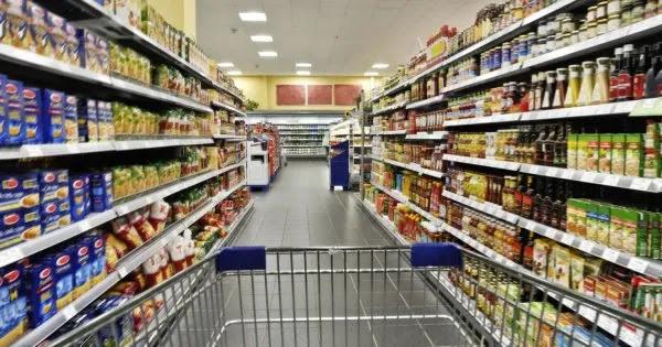 Η Ελλάδα της φτώχειας και της ακρίβειας: Πόσο θα φτάσουν οι τιμές σε μακαρόνια, ζάχαρη, καφέ - Αύξηση έως 40% στα φρούτα