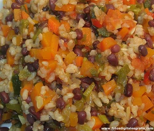 F brica de comida naturista guiso de porotos arroz y for Cocinar 2 tazas de arroz
