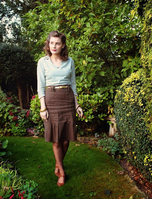 for sale 1940s green embellished blouse sweater via lovebirds vintage