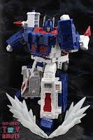 Transformers Kingdom Ultra Magnus 19