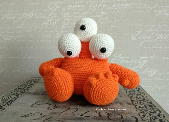 Con hilos, lanas y botones: Toby the Triclops amigurumi