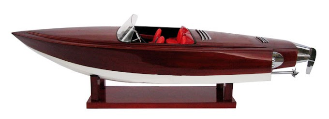 Alpha-Z. The breathtakingly beautiful speedboat.
