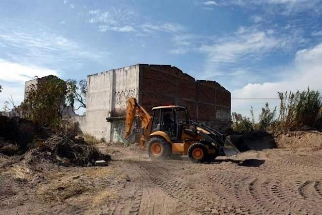 """Sicarios """"sembraron cuerpos en Jalisco""""  y ya cosecharon 16 cadáveres, ahora hallan 17 bolsas con restos humanos y mas fosas clandestinas"""