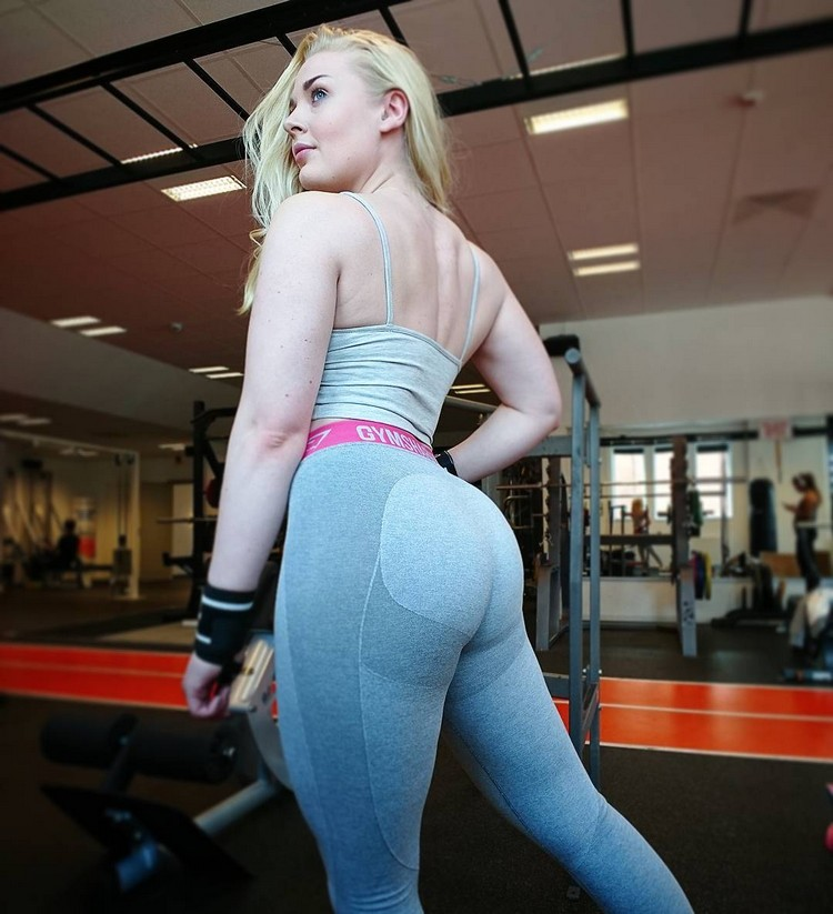 Swedish Fit Girl Carolina Johansson