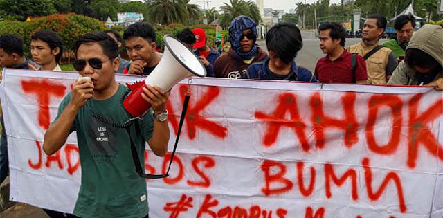 Geruduk Istana, Mahasiswa Tuntut KPK Tuntaskan Kasus Dugaan Korupsi Ahok yang Mandek