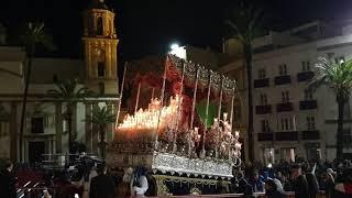 Entrada en Catedral de María Santísima del Rosario Hdad Perdón en la Semana Santa de Cádiz 2019