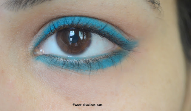 Coloressence Cake Eyeliner CE-2 Tourquish Blue Eye Swatch