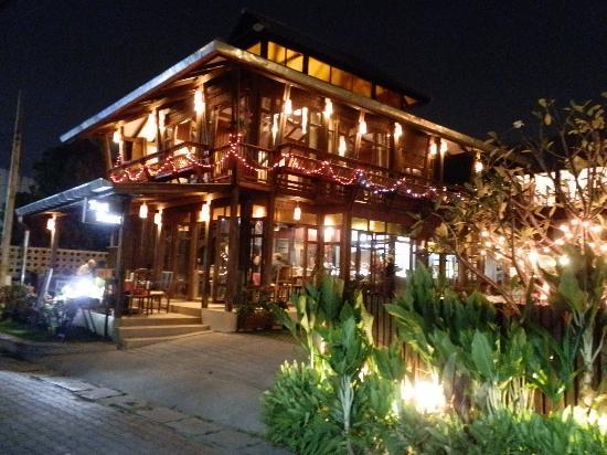 ณ เชียงใหม่ Dash Restaurant And Bar